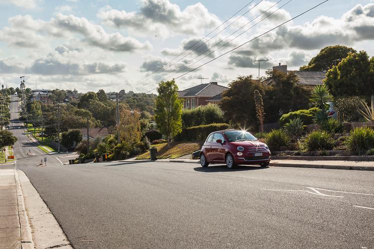 Top 6 tips for manual driving - motoring com au