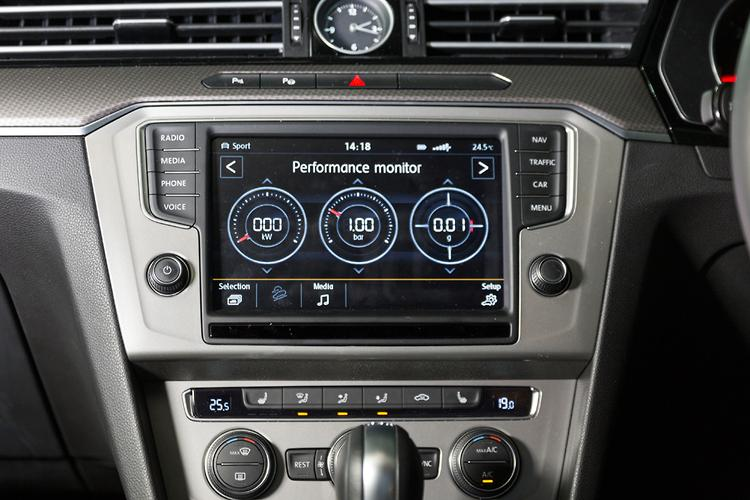infotainment review volkswagen discover pro. Black Bedroom Furniture Sets. Home Design Ideas
