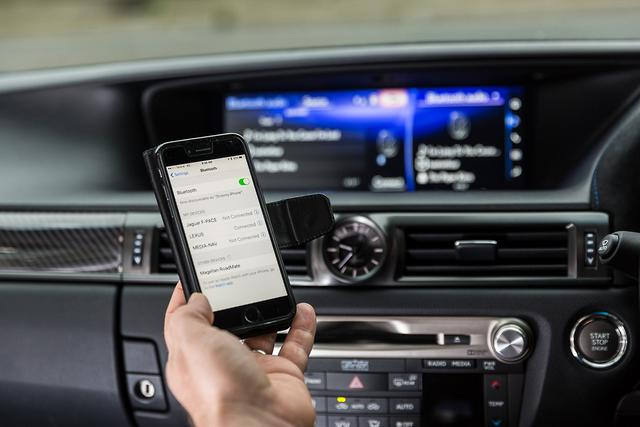 Why my car is not compatible with my phone - motoring com au