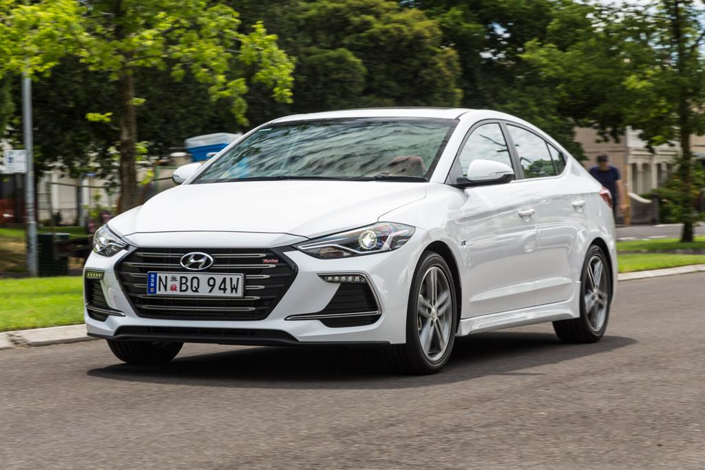Hyundai Elantra SR Turbo 2017 Review - motoring com au