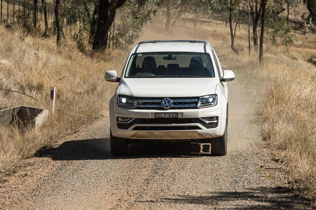 Volkswagen Amarok 2017 Review - motoring com au