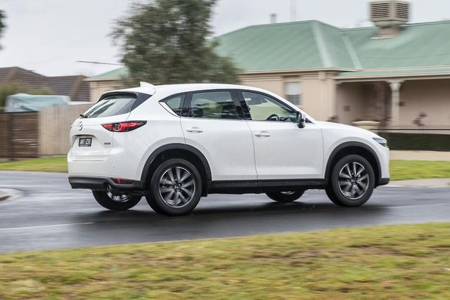 Honda Cr V V Mazda Cx 5 2017 Comparison Motoring Com Au