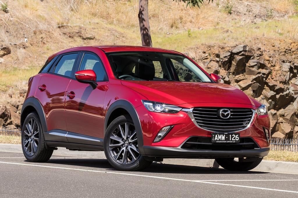 hyundai kona v mazda cx 3 2017 comparison. Black Bedroom Furniture Sets. Home Design Ideas
