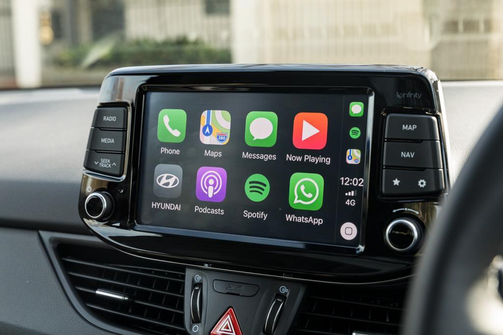 Hyundai i30: Infotainment Review - motoring com au