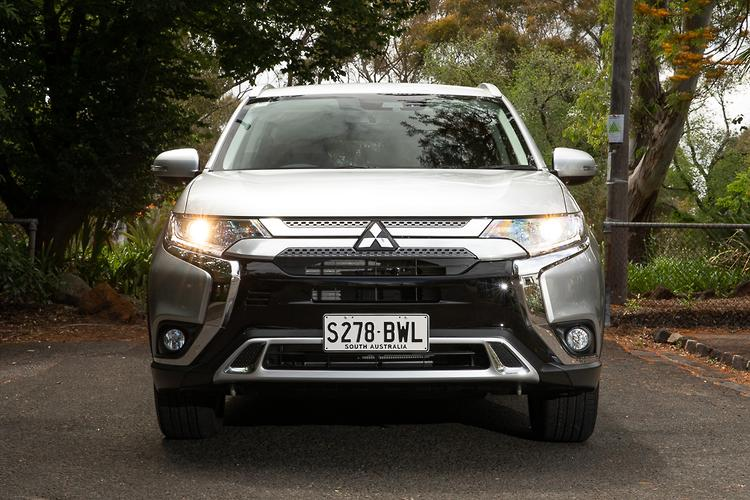 Mitsubishi Outlander 2019 Review - motoring com au