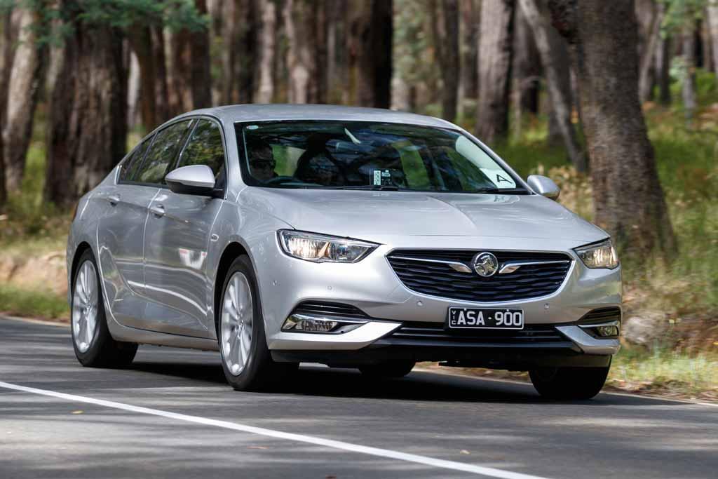 Holden Calais 2018 Review - motoring com au