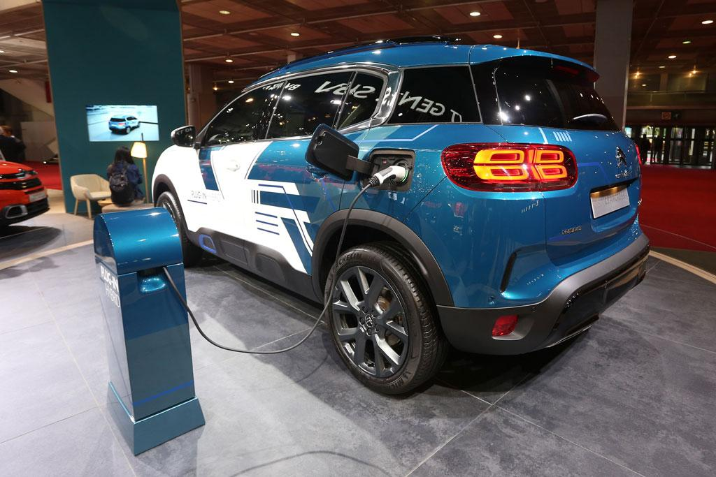 Paris Motor Show Citroen C5 Aircross Green Lit For Australia