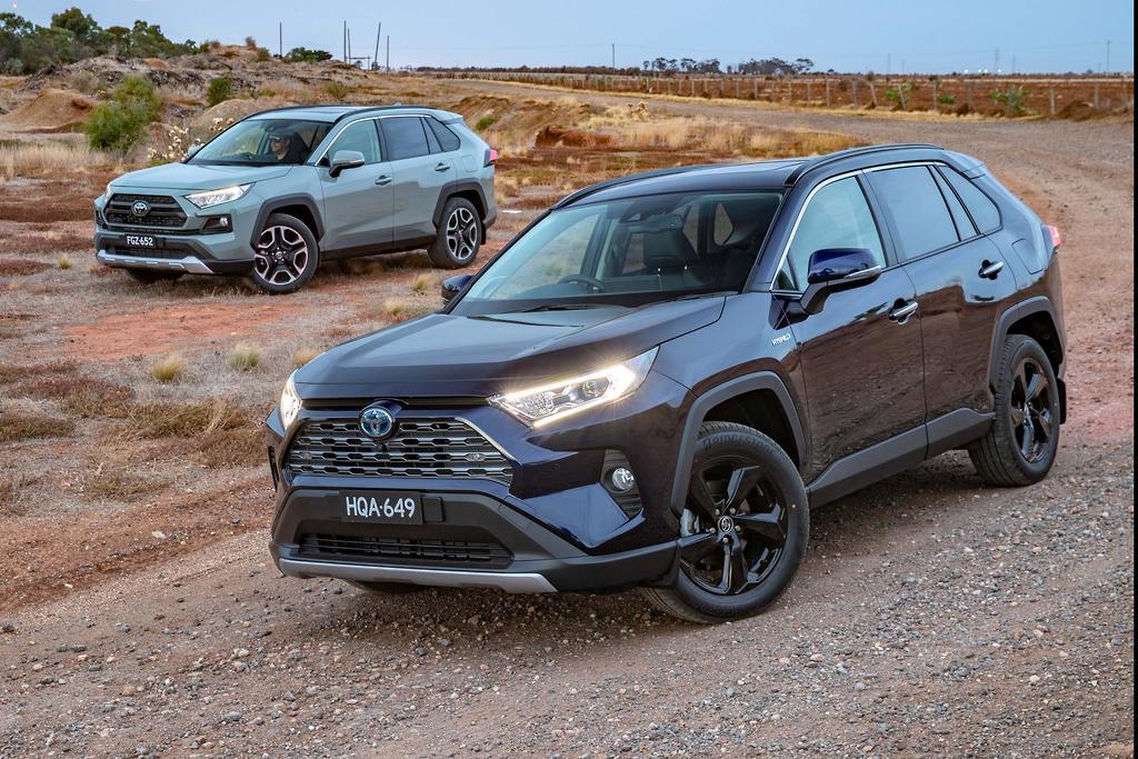 2019 Toyota Rav 4 Hybrid Cruiser Front Edge Rear