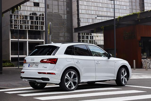 Audi Q5, SQ5, SQ7 Black Editions arrive - motoring com au