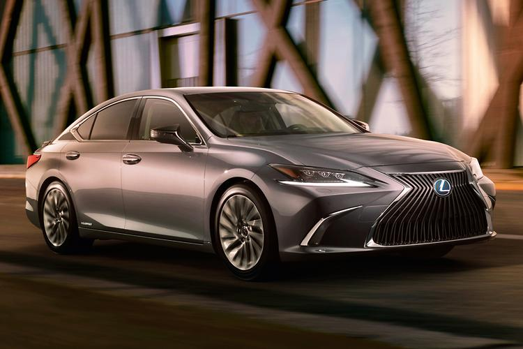 Lexus ES Revealed With Sportier Look, More Tech