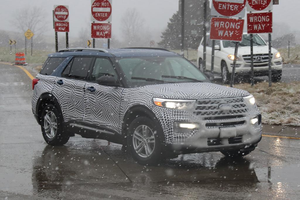 Spy Pics Next Gen Ford Explorer Caught In The Open