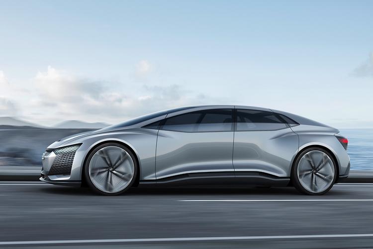 Audi teases RWD R8 before Frankfurt debut