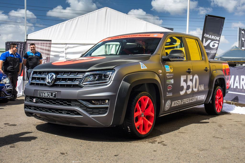 volkswagen amarok v6 sets new benchmark. Black Bedroom Furniture Sets. Home Design Ideas
