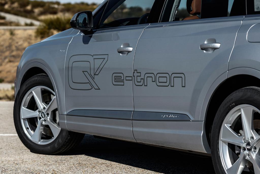 Audi Q7 e-tron quattro arriving January 2018 - motoring.com.au
