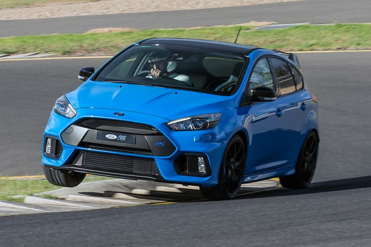 ford focus rs limited edition 2017 review. Black Bedroom Furniture Sets. Home Design Ideas