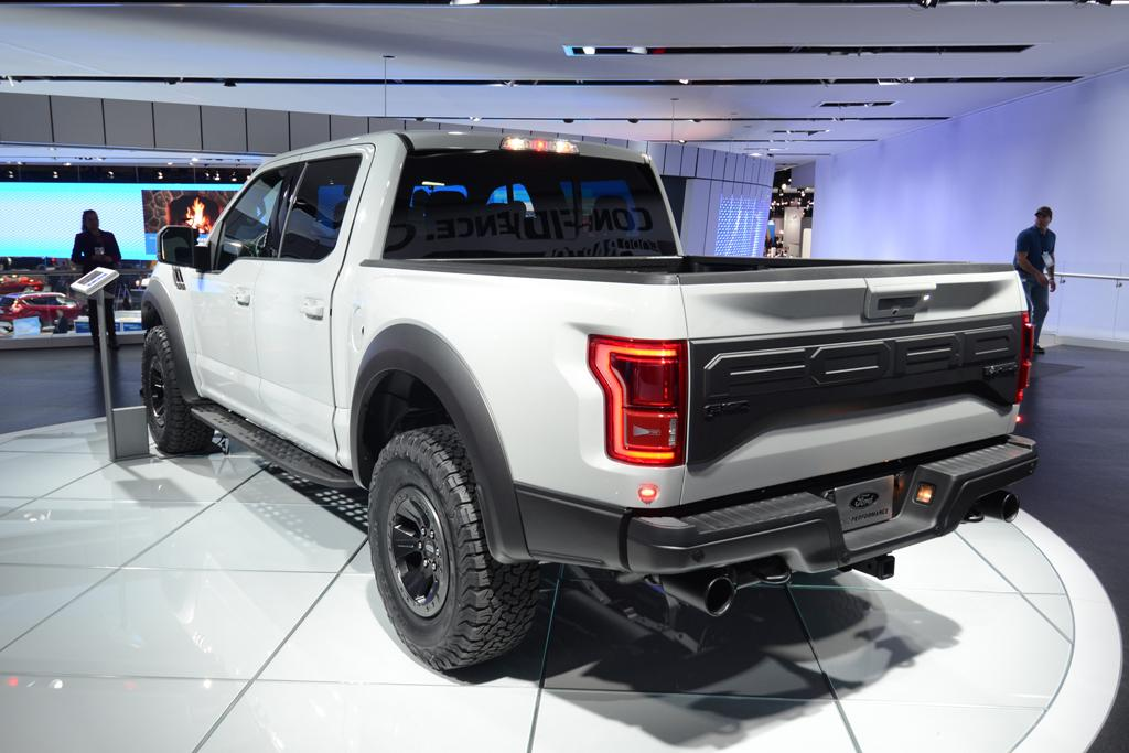 DETROIT MOTOR SHOW: Photos of Ford F-150 Raptor SuperCrew