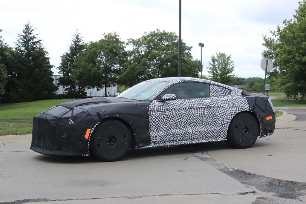 Spy Pics 2019 Ford Mustang Shelby Gt350 And Gt500