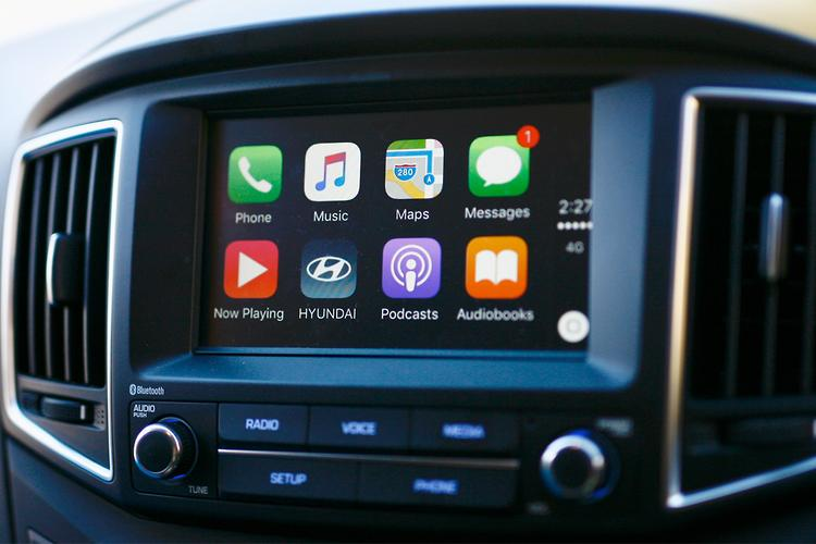 apple carplay expands at hyundai. Black Bedroom Furniture Sets. Home Design Ideas
