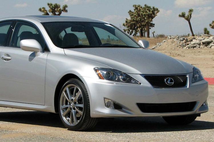 Lexus IS250, GS300 Recalled