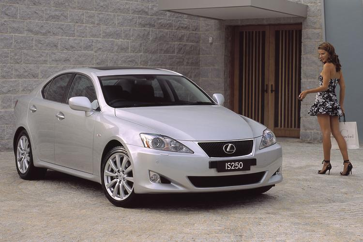 File:2005-2008 Lexus IS 250 (GSE20R) sedan 03.jpg - Wikimedia Commons