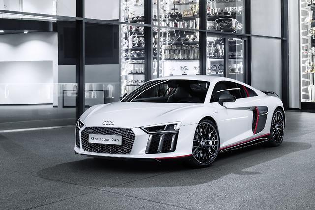 Audi Celebrates N Win With Special R Motoringcomau - Audi v10