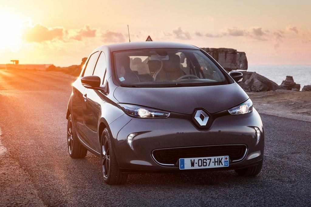 2018 renault zoe range. simple zoe meanwhile in europe the zoe has become most popular batterypowered  car outselling both nissan leaf and tesla model s x and 2018 renault zoe range