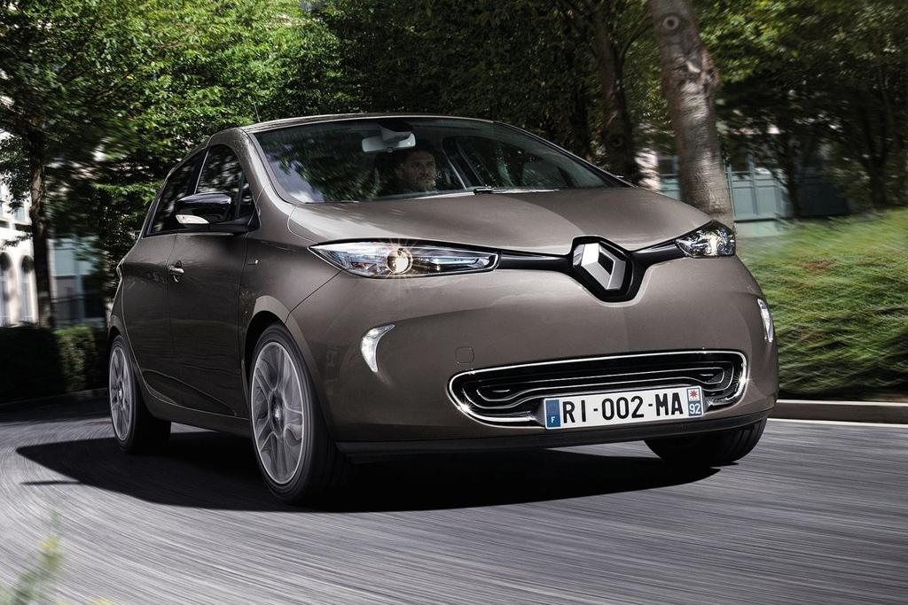 2018 renault zoe. unique zoe as well as selling you a car for an undisclosed amount renault is also  offering zoe customers powerful 7kw fastcharger that can fully charge the little  and 2018 renault zoe s