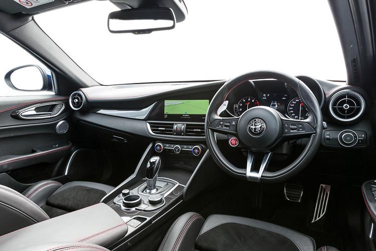 Alfa Romeo 8C Coming Back As Hybrid