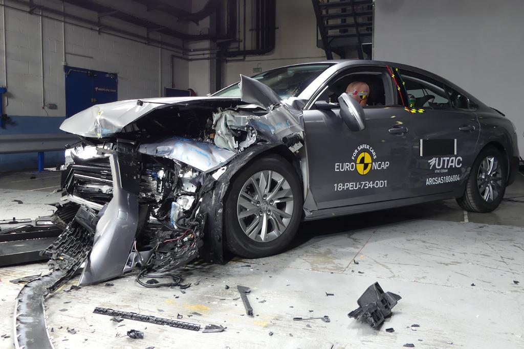 Top safety rating for new Peugeot and Mercedes models