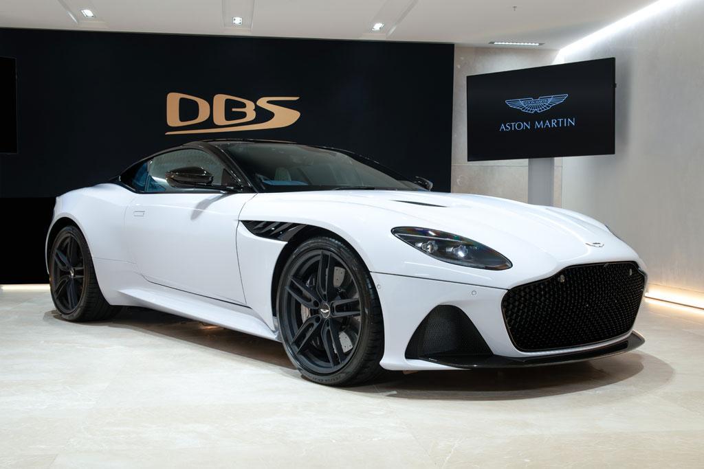 Alfa Romeo Coupe 2019 >> Aston Martin DBS Superleggera debuts - motoring.com.au