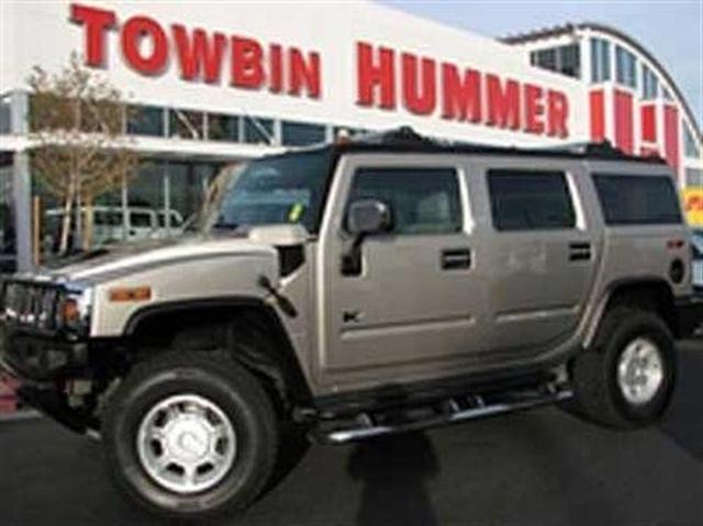 Vegas buyers desert hummers for Towbin motors las vegas