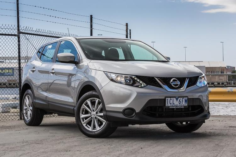nissan qashqai 2015 review. Black Bedroom Furniture Sets. Home Design Ideas