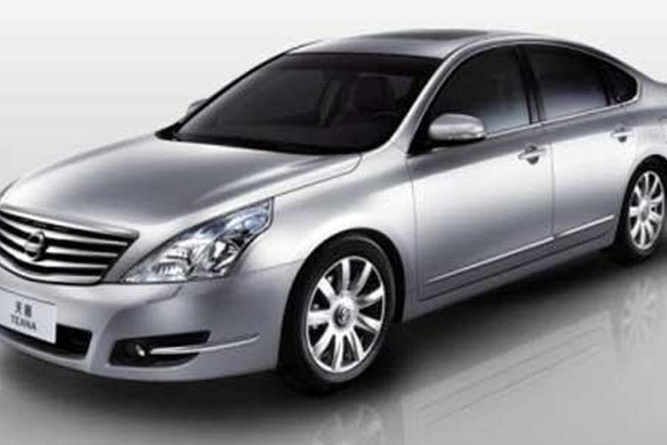Nissan Aims High With New Maxima