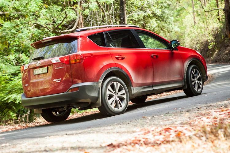 Toyota RAV4: 2014 Medium SUV Comparison
