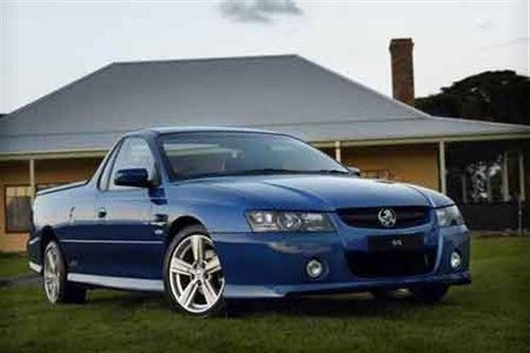 Holden VZ utes (2005-) & V6 Crew Cabs: Holden VZ Crewman S 4x2 3.6 - motoring.com.au