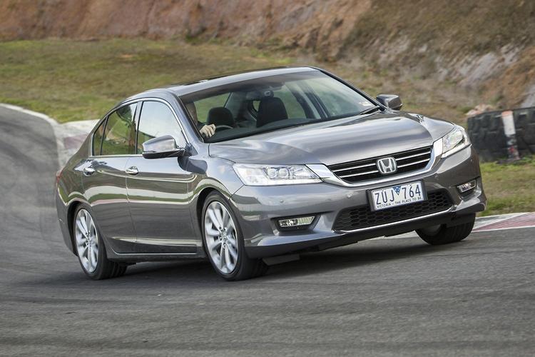 Honda Accord: Semi-automatic Operation