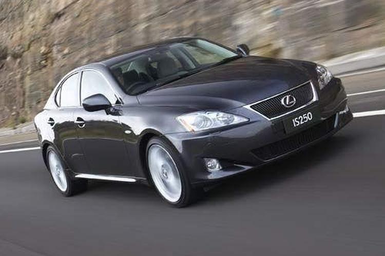 New Lexus Cuts The Cord