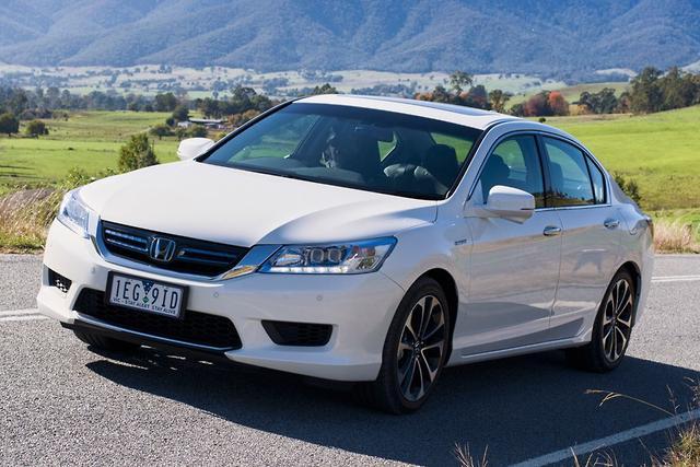 Honda accord sport hybrid 2015 review for Honda accord 2015 reviews