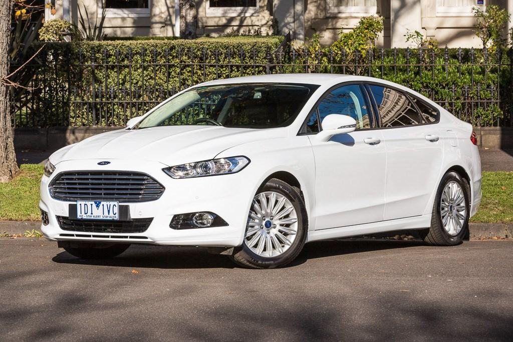 Ford Mondeo 2015 Video Review Motoring