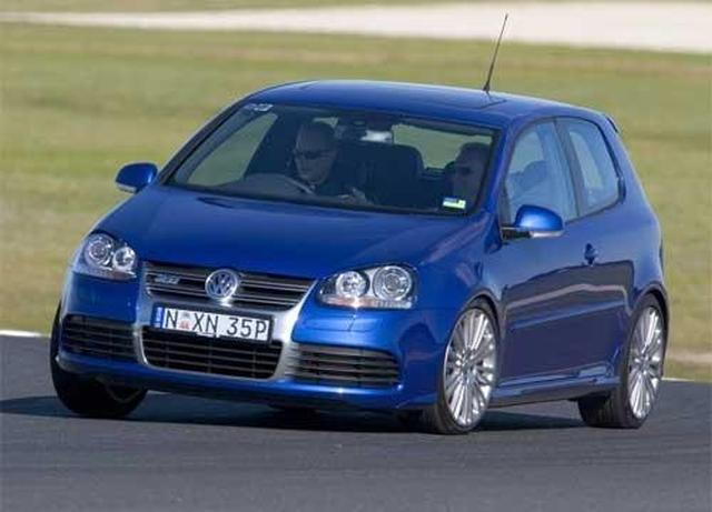 volkswagen golf r32. volkswagen\u0027s v6 golf hotshot has succumbed ever so slightly to the pressures of time - but that doesn\u0027t mean it\u0027s no longer a stimulating, aurally rewarding volkswagen r32