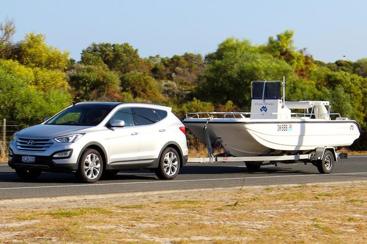 Hyundai Santa Fe 2014 Review