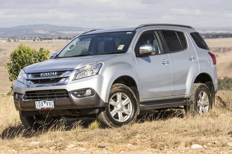 Isuzu MU-X 2015 Review - motoring.com.au