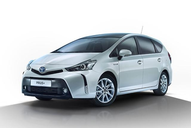 Toyota to refresh hybrids in 2015 - motoring com au