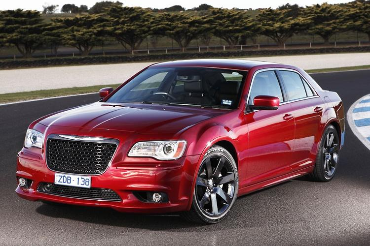 Chrysler 300 Srt8 2013 Road Test
