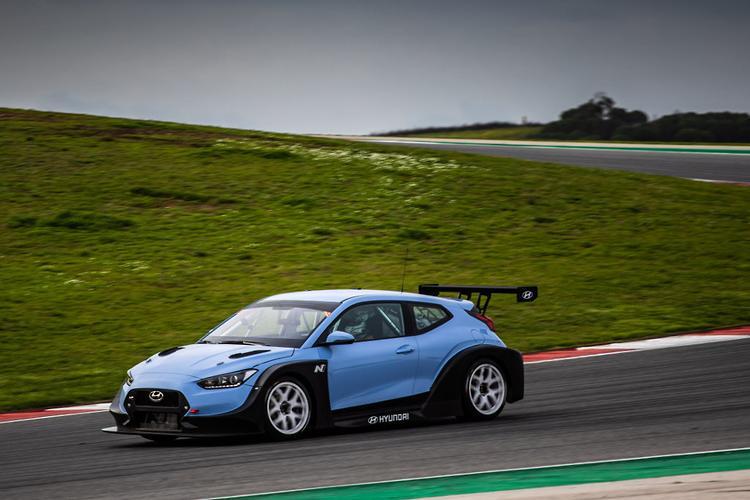 DETROIT MOTOR SHOW: Hyundai Veloster N race car debuts