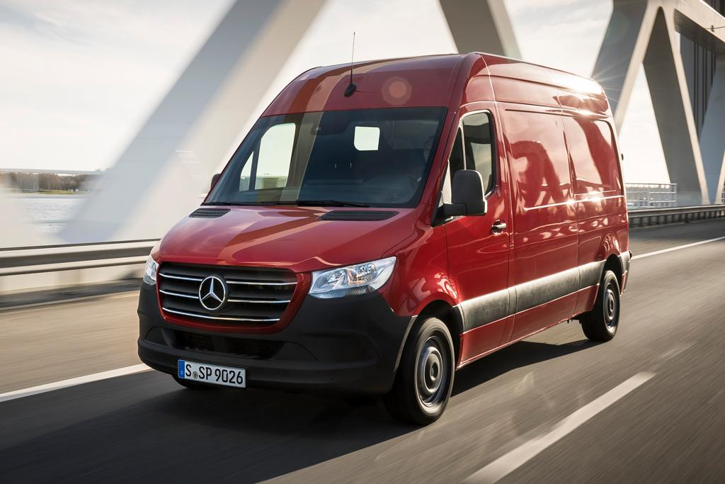 0b49e62596 We drove the rear-wheel drive Mercedes-Benz Sprinter 314 CDI van with a  3.5-tonne GVW (gross vehicle weight). Based on the current 313 CDI models