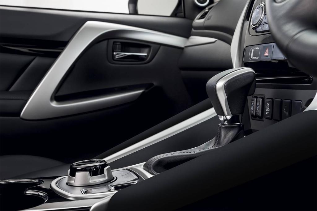 Mitsubishi Pajero Sport upgraded - motoring com au