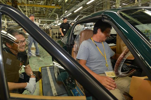 Mazda factory restores its first MX-5 - motoring com au