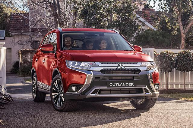 2019 mitsubishi outlander arrives. Black Bedroom Furniture Sets. Home Design Ideas