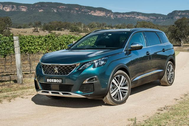 Peugeot 5008 2018 review for Interior 5008 gt line